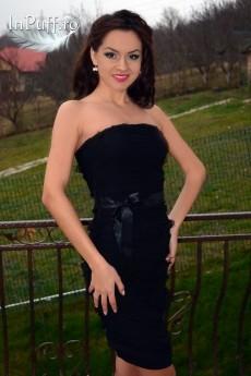 rochie negra cu dantela