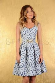 model rochie de zi