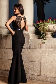 rochie din dantela neagra lunga