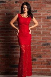 rochie din dantela rosie lunga