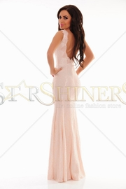 rochii lungi decupate la spate
