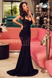 rochii de seara lungi din dantela neagra