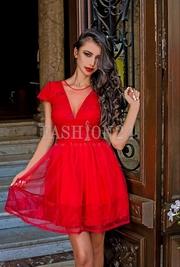 rochii rosii de seara tip printesa