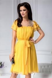 rochii de ocazie galbene scurte