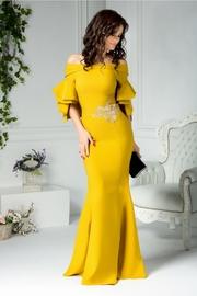 rochii galbene lungi de banchet