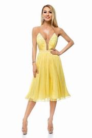 rochii galbene scurte pentru banchet