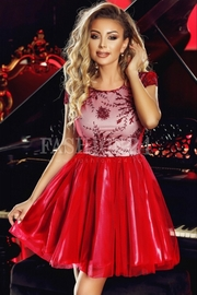 rochii rosii scurte tip printesa